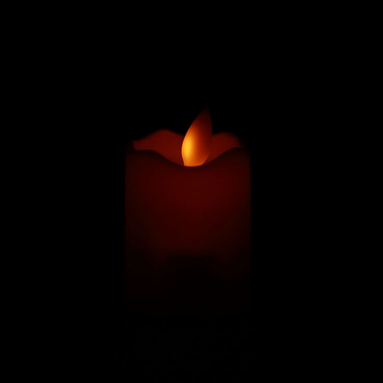 Lit LED Flameless Flicker Candles