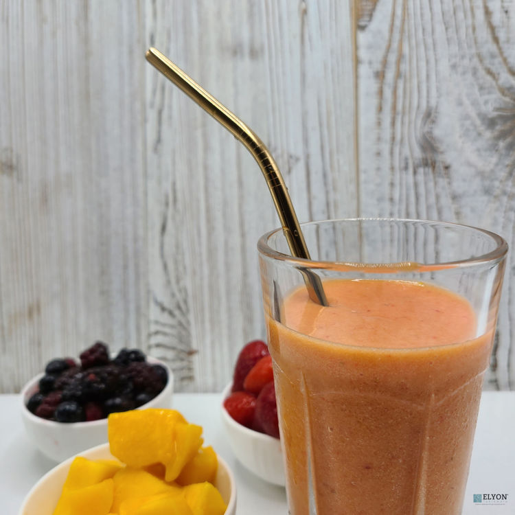 Colored Metal Straws Rose Gold in Cup
